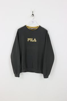 """Very good condition, vintage Filasweatshirt. Measurements: Pit to pit - 27"""" Length on back - 26.5"""" Vintage items will usually show a few signs of wear or fadin"""