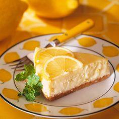Mousse ligera de limón Bolo Fit, Lemon Mousse, Dessert Aux Fruits, Lime Recipes, Sweets Cake, Mousse Cake, Cheesecake, Food And Drink, Dessert Recipes