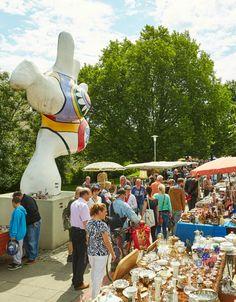 Zin in een bijzondere stedentrip Duitsland? Op naar Hannover. Wat een verrassend leuke stad. Echte must-do: op zaterdag naar de rommelmarkt langs de Leine oever. Bekijk alle tips over Hannover.