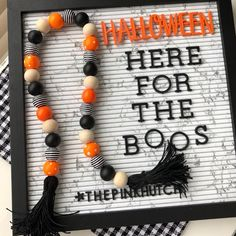 Halloween Combine Wooden Bead Garland Straightforward Craft, provides simple pro… – Keep up with the times. Halloween Wood Crafts, Halloween Home Decor, Halloween Boo, Fall Crafts, Holiday Crafts, Halloween Decorations, Halloween 2019, Wood Bead Garland, Beaded Garland