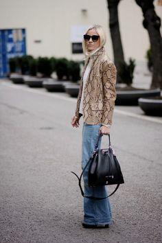 Hippie Hippie, Milkshake - wearing our lovely LUCA black silver bucket bag! She looks great.  Find more pics on www.leowulff.com #hippiehippiemilkshake #bucketbag #black