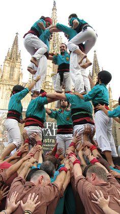 Guiddoo World Travel Visit Barcelona, Barcelona Catalonia, Ap Spanish, Destination Voyage, We Are The World, Krishna Art, Spain And Portugal, Gaudi, Coat Of Arms