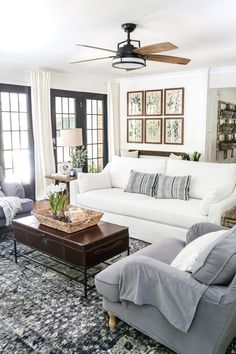 Love this living room Window treatment- white curtain rods? 2019 Love this living room Window treatment- white curtain rods? The post Love this living room Window treatment- white curtain rods? 2019 appeared first on Curtains Diy. Window Treatments Living Room, Living Room Windows, My Living Room, Living Room Furniture, Living Room Decor, Decor Room, White Curtain Rod, White Curtains, Hang Curtains