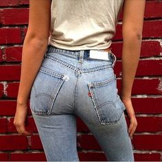35 Shots That Prove Levi's Jeans Make Your Butt Look Amazing (Le Fashion) Jeans Fit, Sexy Jeans, Levis Jeans, Skinny Jeans, Denim, Jean Sexy, Beste Jeans, Girls Jeans, Stretch Jeans