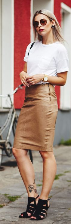 Masha Sedgwick White Tee Camel Leather Pencil Skirt #Fashionistas