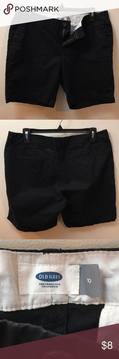 Old Navy Bermuda Shorts EUC Old Navy black size 10 bermuda shorts. From a smoke free but pet friendly home. Old Navy Shorts Bermudas