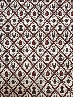 Batik Jogja - Sido Luhur latar pethak Batik Pattern, Pattern Paper, Malaysian Batik, Motif Simple, Batik Solo, Batik Art, Batik Fashion, Shadow Puppets, Yogyakarta
