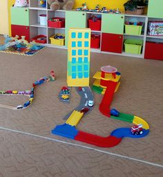 Dom v meste Mesto, Nintendo 64, Kids Rugs, Games, Logos, Home Decor, The Neighborhood, Decoration Home, Kid Friendly Rugs