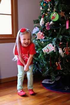 Christmas Headband by Beantown Baby, Shirt by Rolls and Raspberries Toddler Modeling, Raspberries, Rolls, Super Cute, Christmas Tree, Holiday Decor, Tees, Shirt, Baby