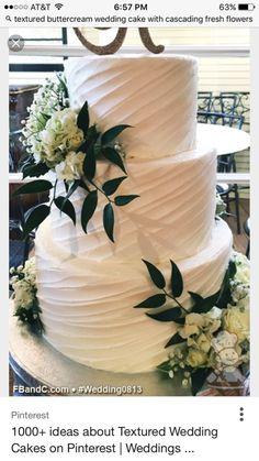 Cream Wedding Cakes, Purple Wedding Cakes, Buttercream Wedding Cake, Wedding Cake Rustic, Cake Wedding, Wedding Flowers, Wedding Dresses, White Buttercream, Wedding Cupcakes