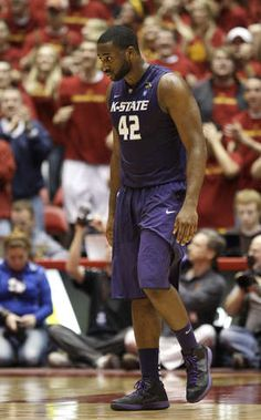 Kansas State freshman Thomas Gipson learned in high school how to be team leader. Team Leader, In High School, Freshman, Athletics, Kansas, Play, Photos, Pictures, Freshman Year