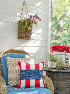Don't buy holiday or season specific pillows. Simply wrap existing pillows with a piece of fabric and secure with safety pins on the back side. Fourth Of July Decor, 4th Of July Fireworks, 4th Of July Celebration, July 4th, Patriotic Crafts, Patriotic Decorations, Porch Decorating, Summer Decorating, Decorating Ideas