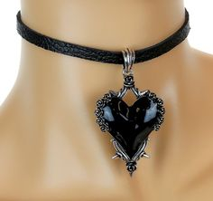 Black Heart Gothic Roses Vine Leather Choker Necklace Deathrock Jewelry