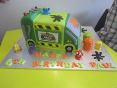Check out this awesome Trash Pack cake!