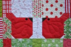 Red birds @Sarah Worthington home.....(aaaaw....looks like a simple square to sew. so cute!)