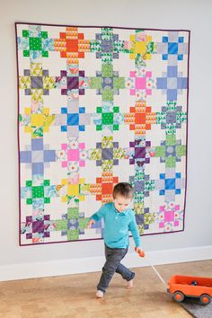 Even-Steven Paper Quilt Pattern – Kitchen Table Quilting Scrappy Quilts, Easy Quilts, Patchwork Quilting, Even Stevens, Paper Quilt, Plaid Quilt, Fat Quarter Quilt, Quilting Projects, Quilting Ideas