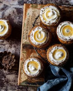 Suprise Banana Cupcakes With Honey Cream Cheese Frosting via @feedfeed on https://thefeedfeed.com/baking-instagram/bakersroyale_naomi/suprise-banana-cupcakes-with-honey-cream-cheese-frosting
