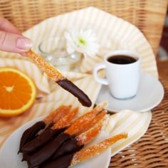 It All Tastes Greek To Me: Chocolate Orange Peels Chocolate Orange, Chocolate Dipped, Chocolate Desserts, Fun Desserts, Dessert Recipes, Orange Candy, Candy Bark, Orange Peel, Food Design