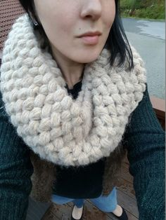 A soft infinity scarf crocheted with high quality norwegian wool yarn. 68% baby alpaca, 10% merino wool and 22% polyamid.  With a comfy and