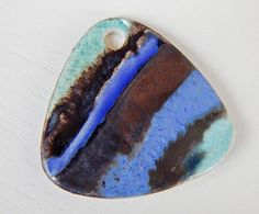 "Stoneware pendant "" green and blue "" By Mª Carmen Rodriguez ( Majoyoal ) https://www.facebook.com/groups/CeramicArtBeadMarket"