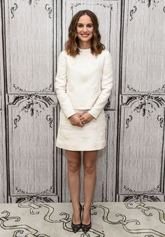 Natalie Portman brought her signature ladylike sophistication to the AOL Build discussion in a tonal floral-decorated white long-sleeve top with a matching mini by Valentino, and black lace pumps. Estilo Natalie Portman, Natalie Portman Pregnant, Natalie Portman Style, Celebrity Red Carpet, Celebrity Style, Celebrity News, Black Lace Pumps, Pregnant Actress, Nathalie Portman