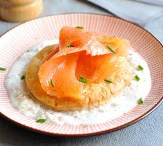 Tarte fine de saumon fumé | Envie de bien manger http://www.enviedebienmanger.fr/idees-recettes/recettes-saumon
