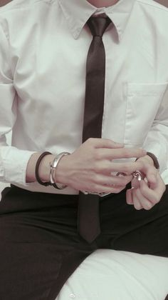 Read Daddys 😈😈😈 from the story Fotos Daddy Kink by KimMikaellyWang with reads. Baby Boys, Daddy Aesthetic, Summer Aesthetic, Daddy Issues, Ulzzang Boy, Pose Reference, Hand Reference, Beautiful Hands, Pretty Hands