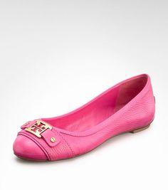 ahhh!! Pink Tory Burch flat