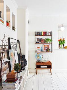 C'est dans une harmonie scandinave que nous nous retrouvons ce vendredi. Un appartement situé à Goëtborg où le contemporain et l'ancien se marient à merveille. Une certaine idée du présent, entre passé et présent, entre douceur et caractère. source :...