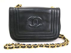#Chanel Pochette Lamb Skin Black (BF067951). Authenticity guaranteed, free shipping worldwide & 14 days return policy. Shop more #preloved brand items at #eLADY: http://global.elady.com