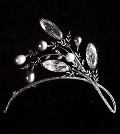A Belle Epoque pearl and diamond tiara, by Chaumet, circa 1900. Shown at the International Exhibition, Paris, 1900. Source: TIMELESS TIARAS - CHAUMET FROM 1804 TO THE PRESENT. #Chaumet #BelleÉpoque #tiara