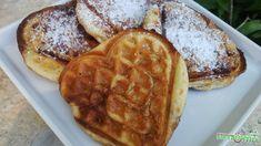 Fahéjas csiga gofri Waffles, Pancakes, Low Carb, Sweets, Breakfast, Fitt, Morning Coffee, Gummi Candy, Candy