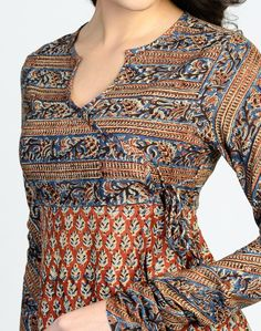 Style Heave: Neck Design For Women Charmed Dress Up Salwar Neck Designs, Churidar Designs, Kurta Neck Design, Neck Designs For Suits, Neckline Designs, Kurta Designs Women, Dress Neck Designs, Blouse Designs, Salwar Pattern