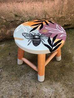 Funky Furniture, Refurbished Furniture, Paint Furniture, Diy Furniture Renovation, Furniture Makeover, Pottery Painting, Painting On Wood, Home Crafts, Diy Home Decor