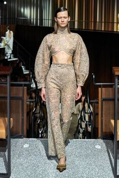 Emilia Wickstead Fall 2020 Ready-to-Wear Collection - Vogue Style Couture, Couture Fashion, Runway Fashion, London Fashion, Street Fashion, Daily Fashion, Fashion Week, Casual Street Style, Vogue Paris