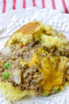 Jiffy Cheeseburger Casserole is a great meal to fix for the entire family. The cheeseburger casserole recipe is budget-friendly and feeds quite a few people. I fed two teenage boys, my husband, and myself and we had leftovers. It's a great meal. #cheeseburgercasserole #cooking #easy #recipes