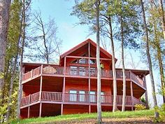 INCREDIBLE+DEALS+staring+at+$149+weekdays+in+April!!!+4+bedrooms!!+Sleeps+12!!+++Vacation Rental in Tennessee from @homeaway! #vacation #rental #travel #homeaway
