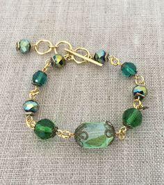 How To Make An Evergreen Bracelet