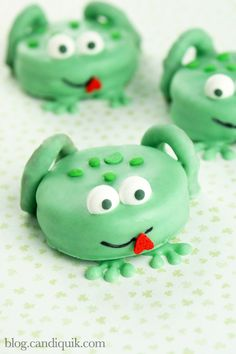 Frog Cookies How-To ~ Cute frog cookies made out of OREO Cookies and mini pretzel twists