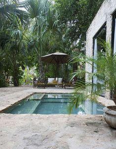 Une petite piscine à l'esprit minéral