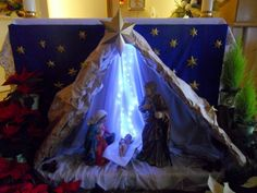 Church Altar Decorations, Christmas Decorations, Table Decorations, Holiday Decor, Altar Flowers, Church Flowers, Catholic Altar, Mary And Jesus, Church Banners