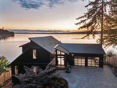 Enter the HGTV Dream Home 2018 Sweepstakes for a chance to win a waterfront retreat in Gig Harbor, Washington, a Honda Accord, and a . Black Exterior, Exterior Paint, Exterior Design, Interior And Exterior, Greys Anatomy Brasil, Hgtv Dream Homes, Haus Am See, Waterfront Homes, My Dream Home