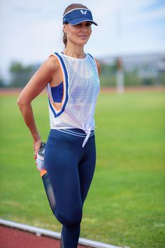 New Top Mesh 🆒 perfect for before or after sports! Cute Fall Outfits, Sporty Outfits, Sport Fashion, Fitness Fashion, Gym Fashion, Womens Fashion, Outfit Gym, Sports Football, Estilo Fitness