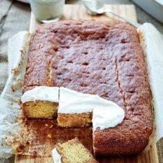 Rooibos-stroopkoek, Hierdie is een van my gunsteling-resepte. Die koek se geur verbeter as dit 'n dag staan voor jy dit voorsit. Tea Recipes, Baking Recipes, Sweet Recipes, Cake Recipes, Dessert Recipes, Pudding Desserts, Baking Ideas, Tea Cakes, Cupcake Cakes