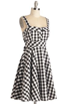 Pull Up a Cherry Dress in Black Gingham - Multi, Checkered / Gingham, Print… Pin Up Outfits, Cute Outfits, Fashion Outfits, Retro Vintage Dresses, Vintage Outfits, Stylish Dresses, Casual Dresses, 1950s Fashion, Vintage Fashion
