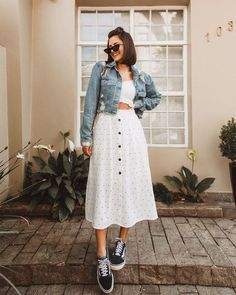 Want to look trendy and casual this autumn? Get inspired by these stylish fall outfits. Want to look trendy and casual this autumn? Style Année 90, Looks Style, Teenager Fashion Trends, Modest Fashion, Fashion Outfits, Sneakers Fashion, Casual Dresses, Casual Outfits, Kohls Dresses