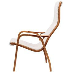 Swedese Lamino chair (7.187.595 COP) ❤ liked on Polyvore featuring home, furniture, chairs, accent chairs, contemporary furniture, modern contemporary furniture, contemporary chairs, white contemporary chair y white accent chair