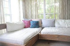 Dear Mushka: ON HOW TO BUILD THIS [MID-CENTURY/AWESOME] DAYBED