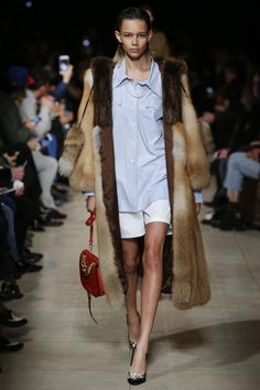 Miu Miu Fall 2016 Ready-to-Wear Fashion Show