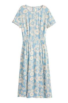 Patterned dress: Calf-length dress in patterned viscose with short sleeves with sewn-in turn-ups, a seam with smocking details at the waist and press-studs at the back of the neck. Latest Fashion For Women, Latest Fashion Trends, Church Attire, Calf Length Dress, Jumpsuit Dress, Dress Patterns, Short Sleeve Dresses, Short Sleeves, Floral